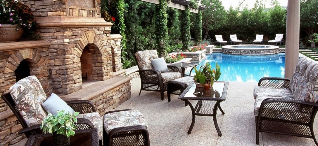 Patio with Swimming Pool